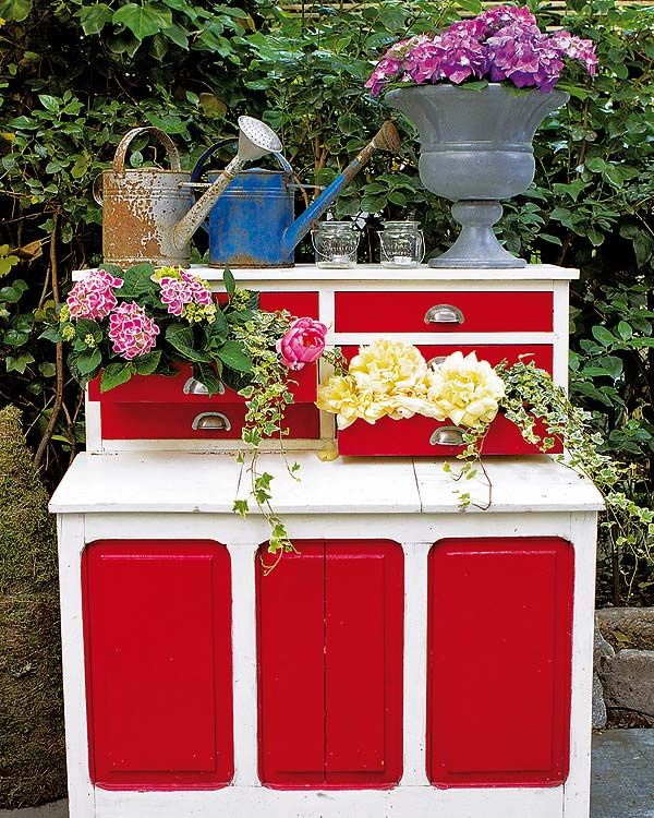 Diy Garden Decorations Ideas Old Chest Of Drawers Flower Container