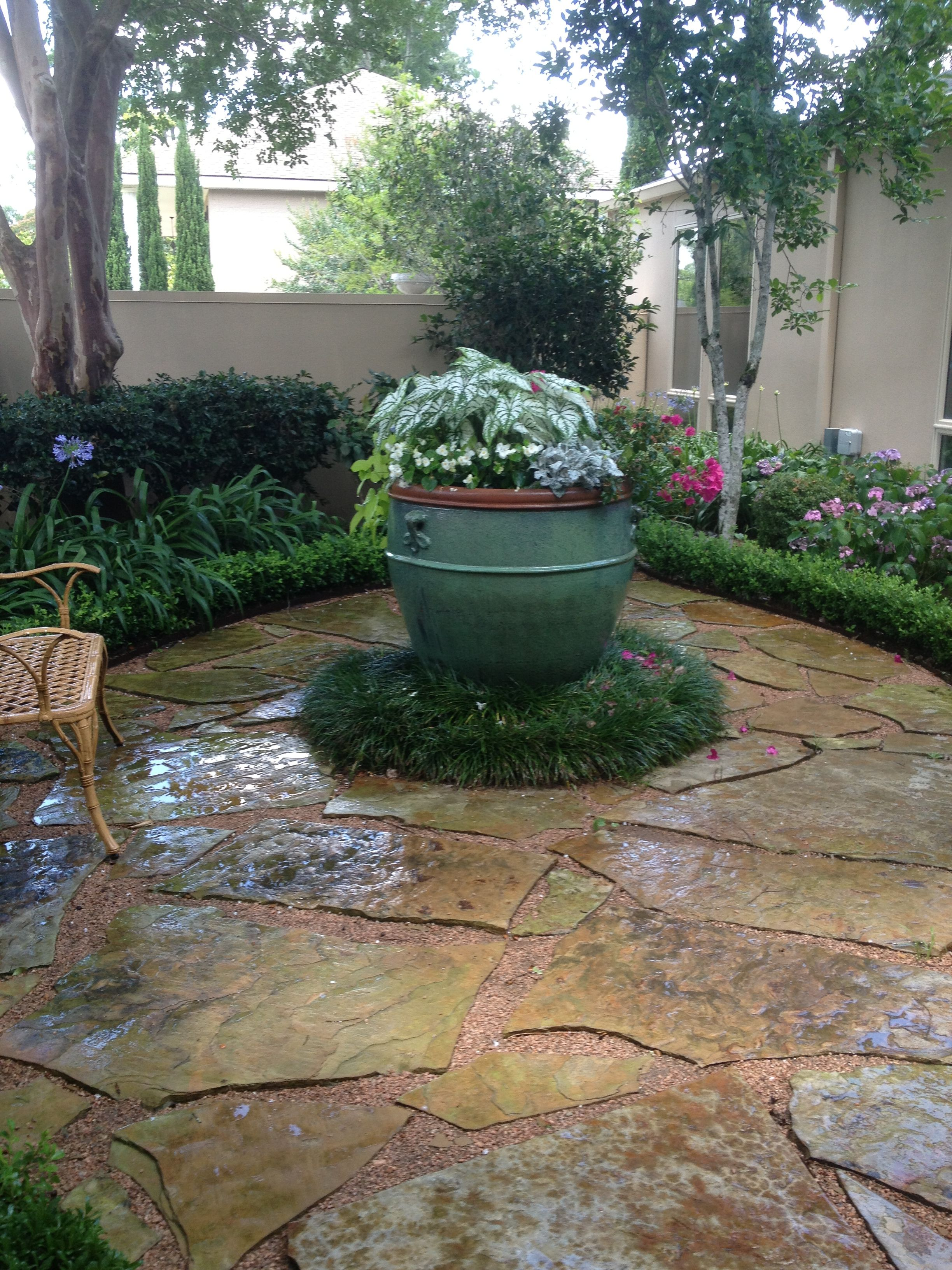 Courtyard Design And Landscaping Ideas: Small Front Entry Courtyard.