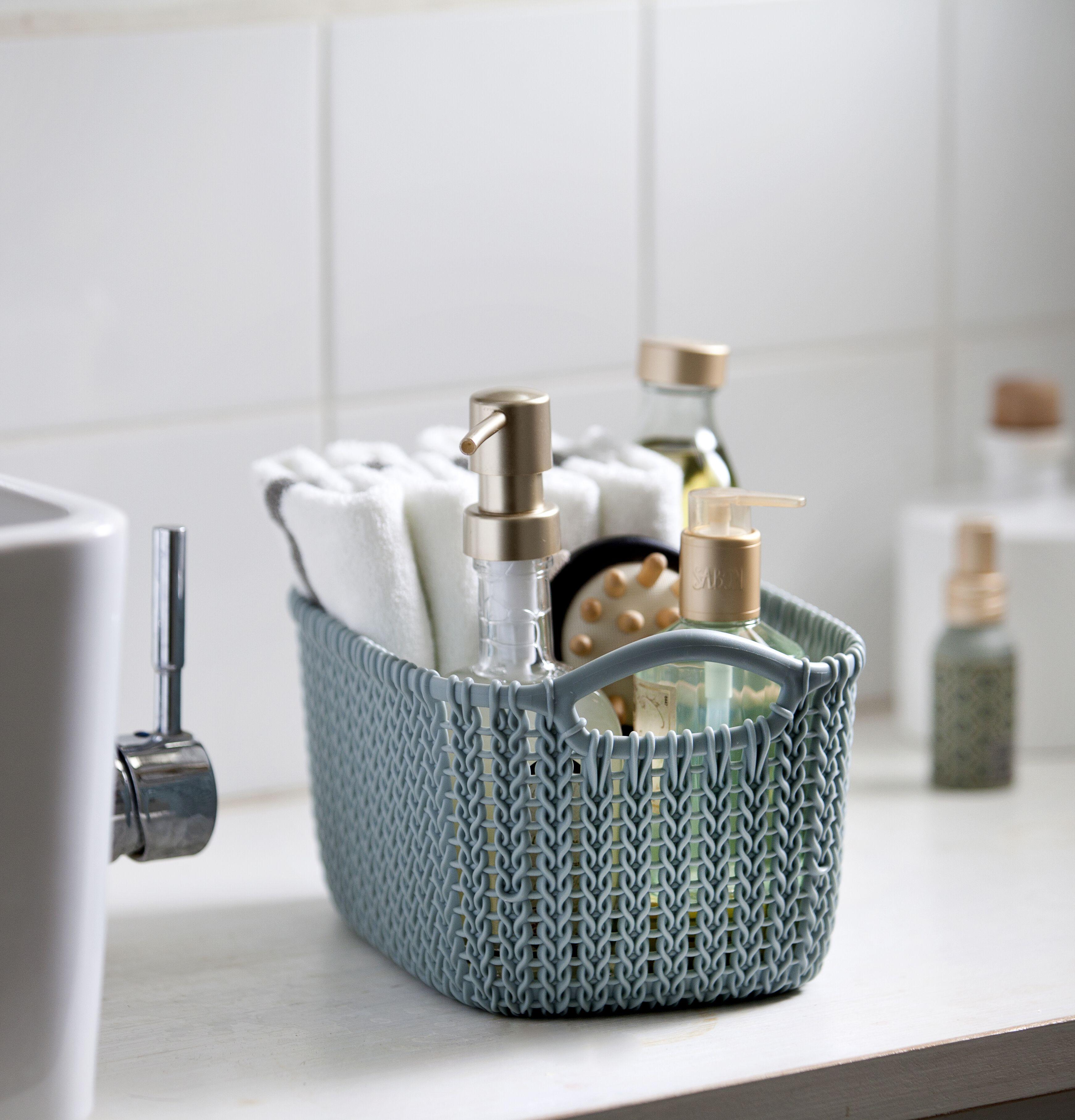 Organiseer je badkamerspullen in een mooi mandje van #KnitByCurver ...