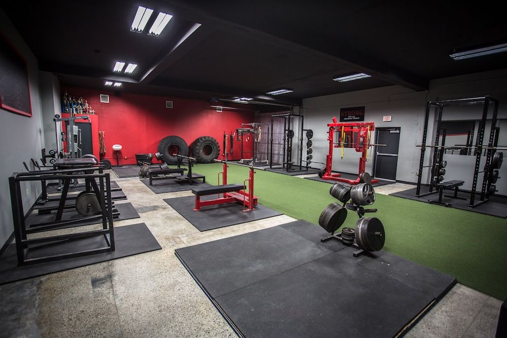 Strong gym powerlifting g  fitness