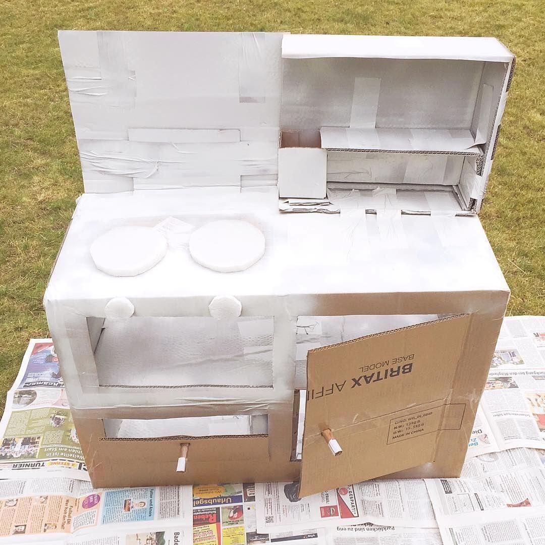 Basteln Mit Kindern Eine Kinderkuche Aus Karton Spielkuche Aus