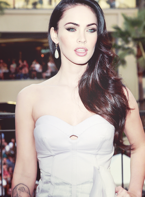 How to Look Like Megan Fox (with Pictures) - wikiHow