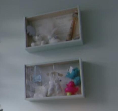 Box met babystuff (eerste tut, geboortekaart, badeentje, suikerbonen, eerste sok, schoen,..)