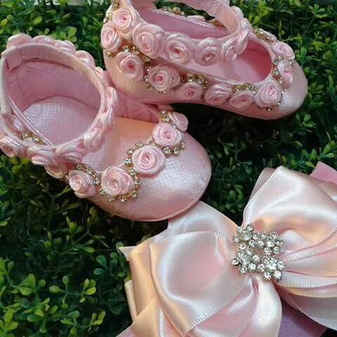 Sapatinho Menina tiaras de beb Pinterest Bebe Zapatos