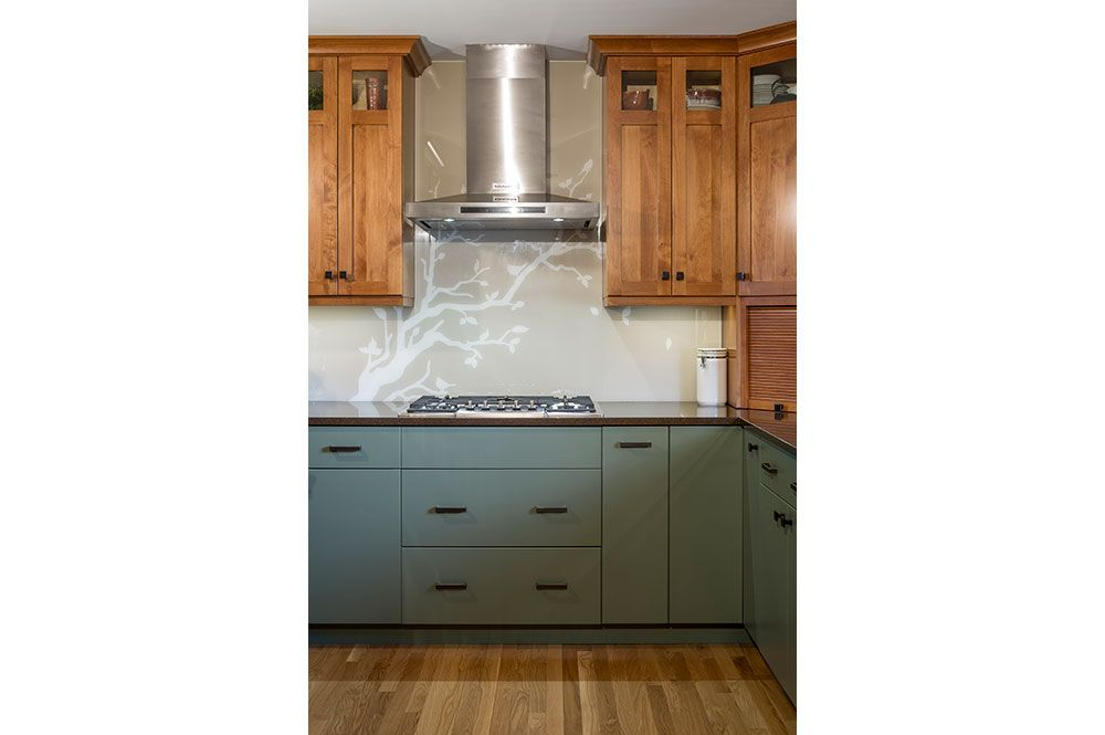 two tone cabinets soft colors greenfield cabinetry on benjamin moore house paint simulator id=71296