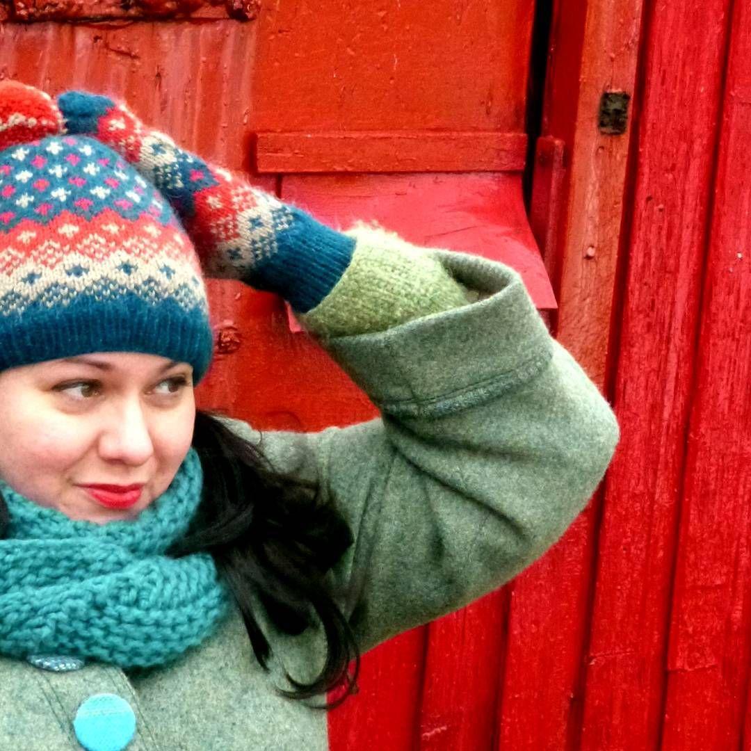 I'm on holiday, so .. shhhh! #lindgren #garnstudio #colourwork #nordicknitting #photoshoot #staytuned #knittersofinstagram #knitstagram