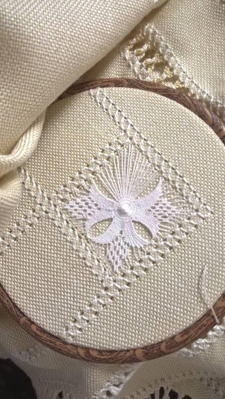 Pin by Annie Tait on Embroidery   Bordado, Bordado hardanger ...