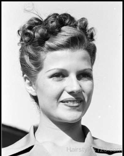 Nice 1940s Bun Hairstyle 1940s Hairstyles Vintage Hairstyles Hair Styles