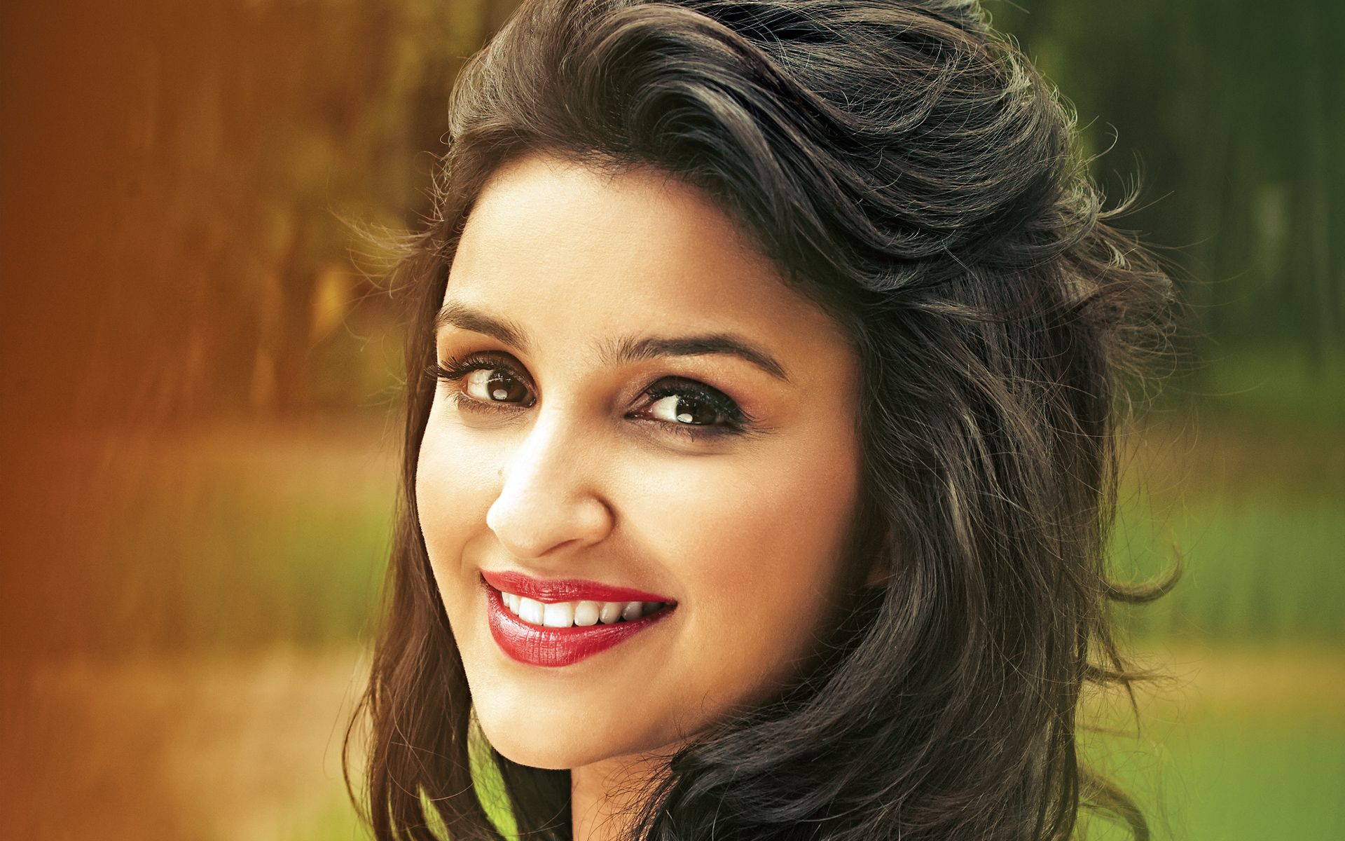 Download Hd Parineeti Chopra Latest Wallpaper For Your Desktop