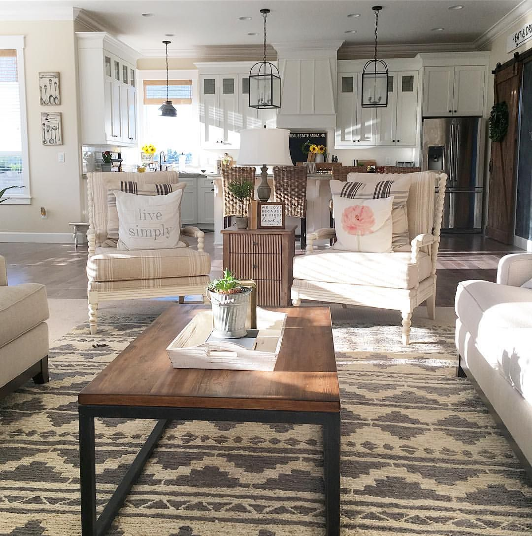 50 Likes 3 Comments Janna Allbritton Yellowprairieinteriors On Instagram I Couldn T Sleep Last Night Pret Home Rustic Dining Table Interior Design