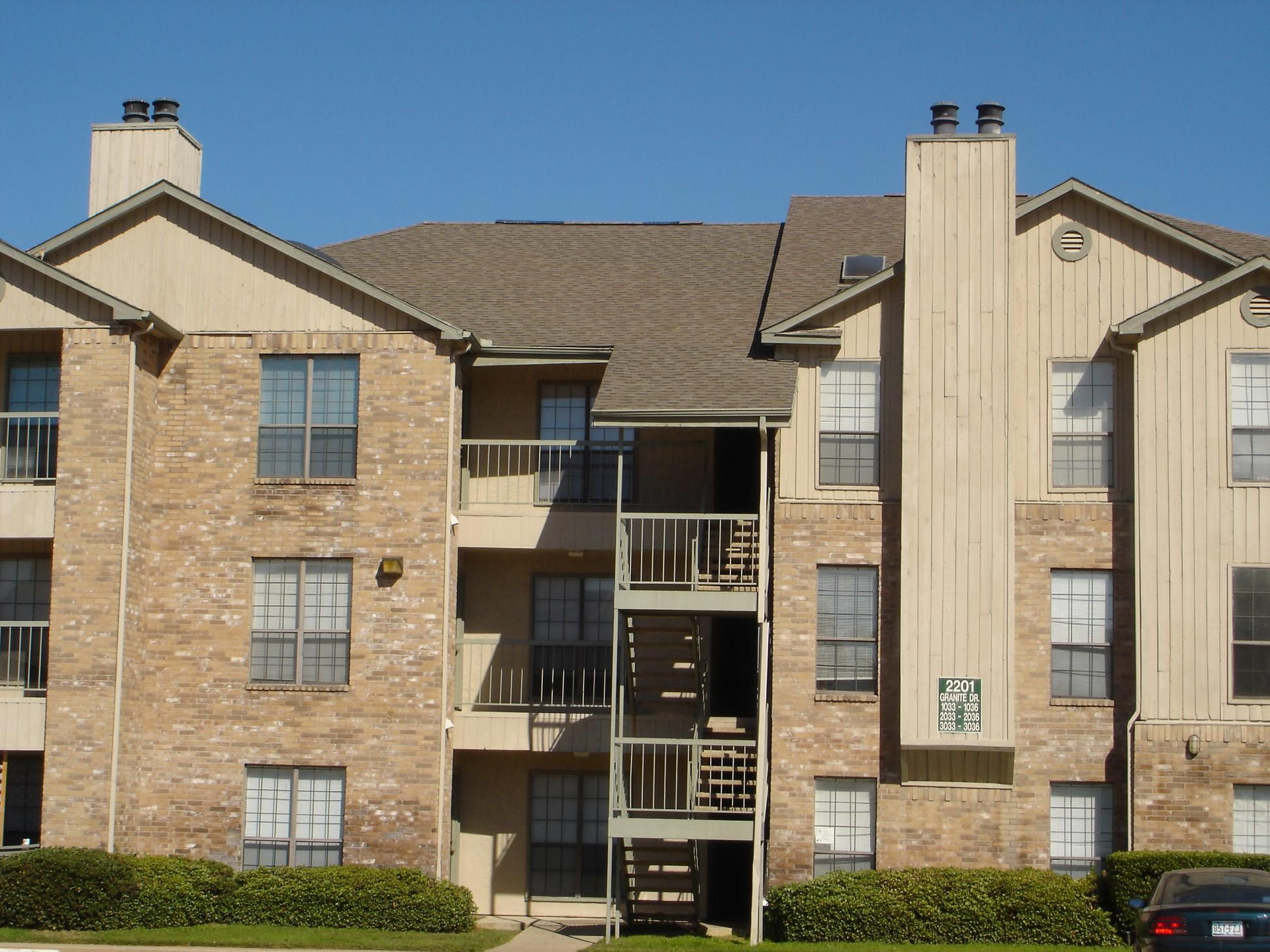 Apartment Building Owners Need Several Business Insurance Policies