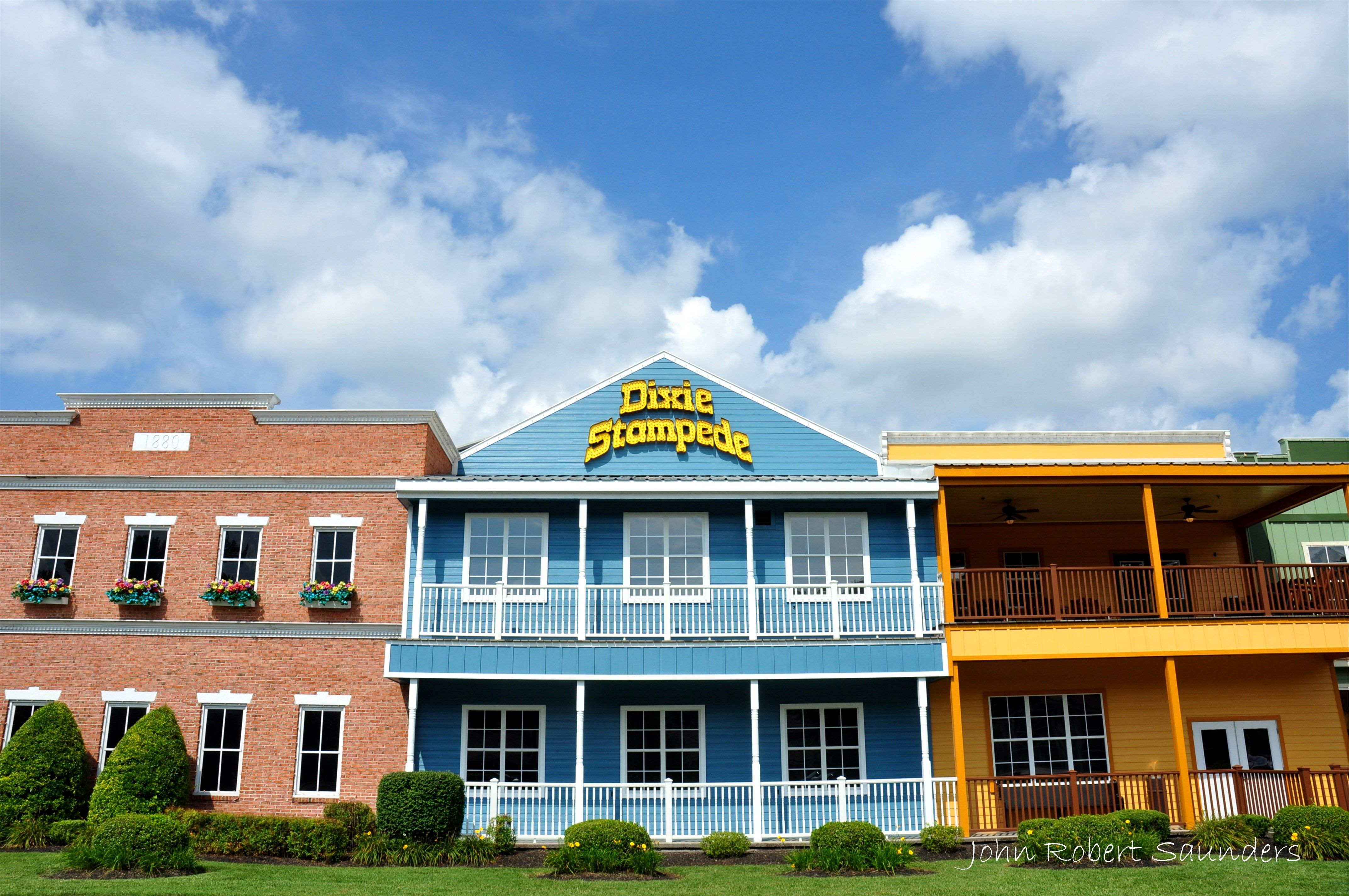 Dixie Stampede - This is the show to watch when visiting Pigeon ...
