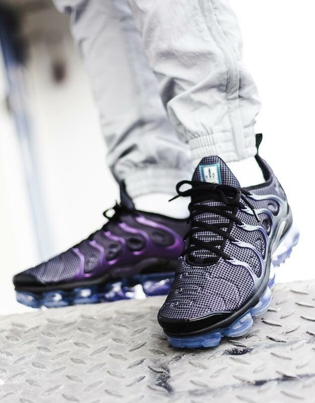 sports shoes f00c8 16f10 Nike Air Vapormax Plus | Sneakers: Nike Air Vapormax in 2019 ...