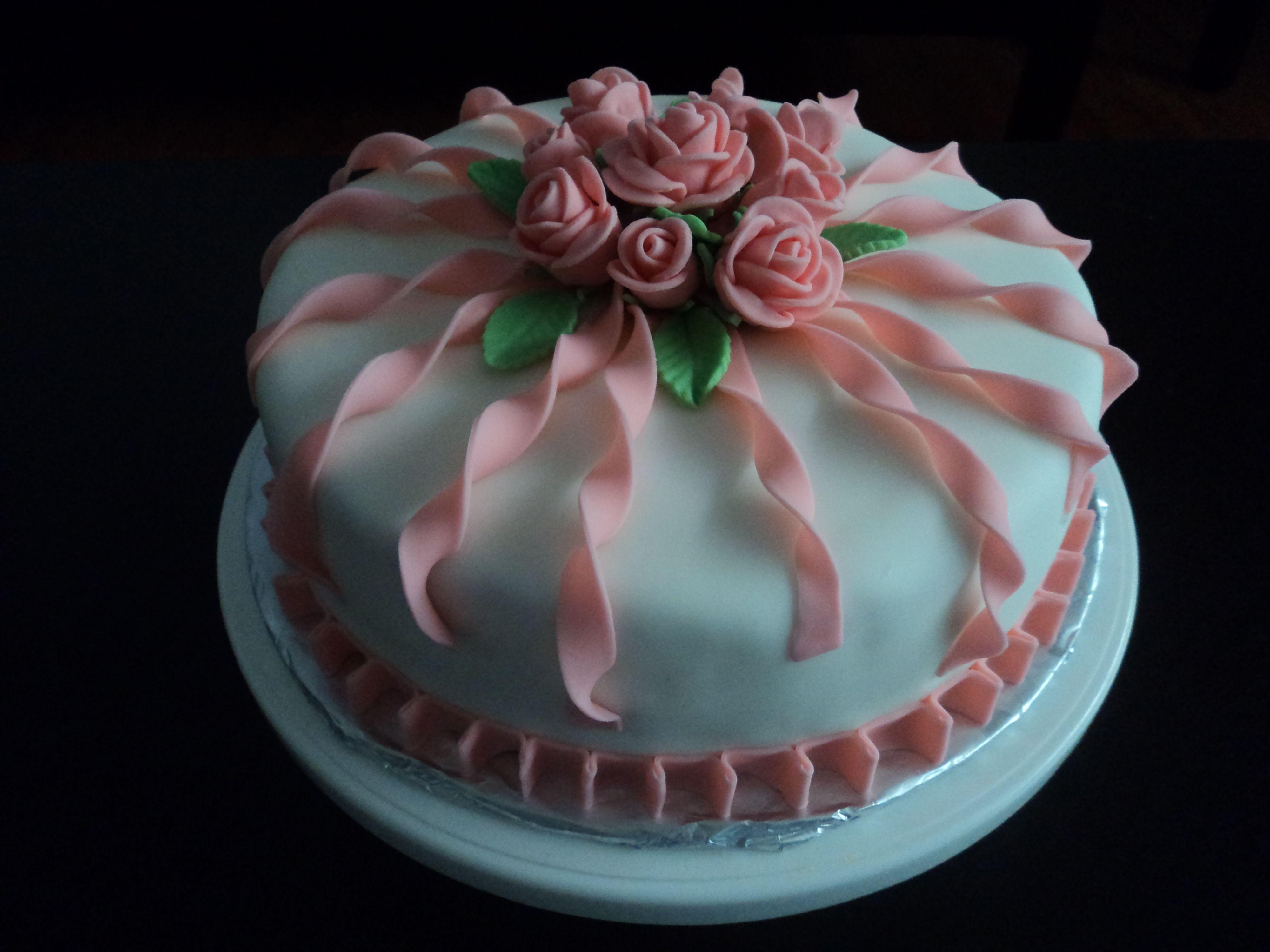 Elegant Birthday Cake Birthday Cake For A Special Lady Ninas - Special cake for birthday