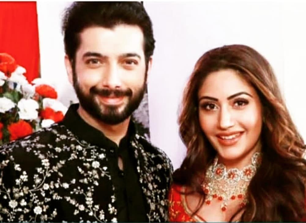 49 Likes 7 Comments Surbhi Girl Surbhi Ki Jaan On Instagram Cheel And Naagin In One Frame Via T Surbhi Chandna Sharad Malhotra Hottest Celebrities