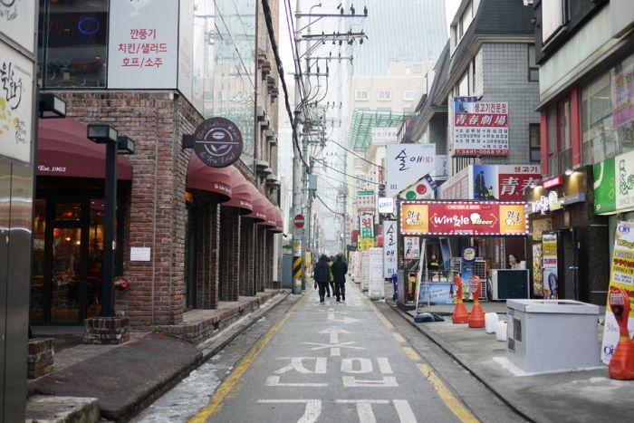 The Vibrant Streets Of Seoul Entouriste South Korea Photography City Streets Photography Street