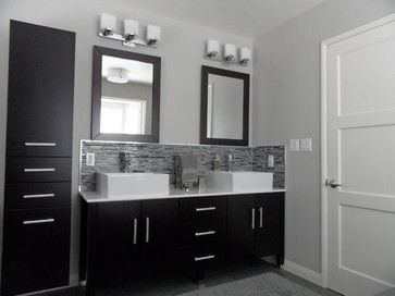 Black grey white bathroom this is the color scheme - Accent color for gray and white bathroom ...