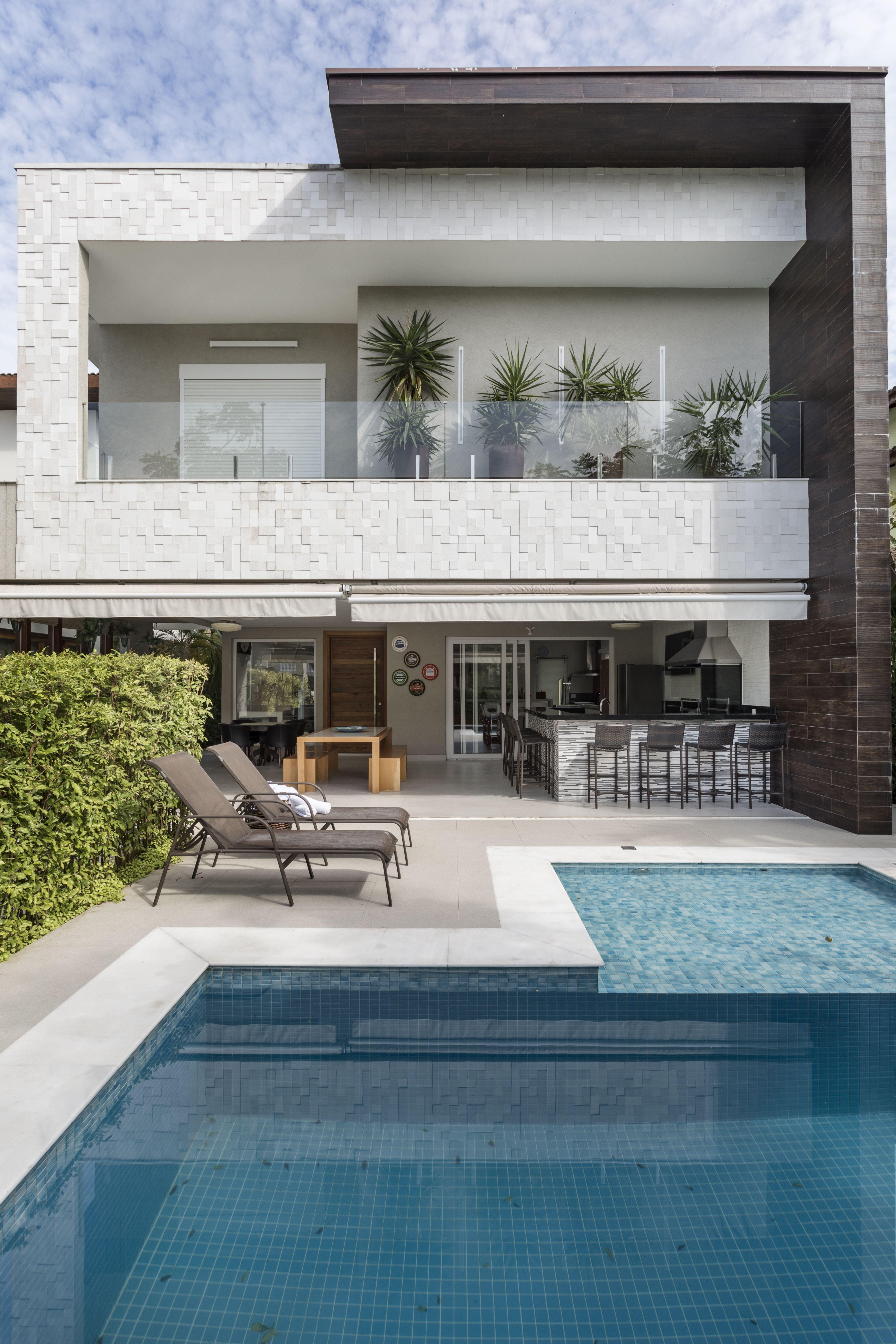 Mix de materiais moldou esta casa de férias #casa