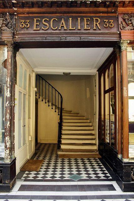 Galerie Vero Dodat Paris Detail 33 Escalier With Images
