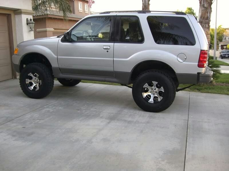 2002 Ford Explorer Sport Trac 4x4. Body lift / 33's Ford