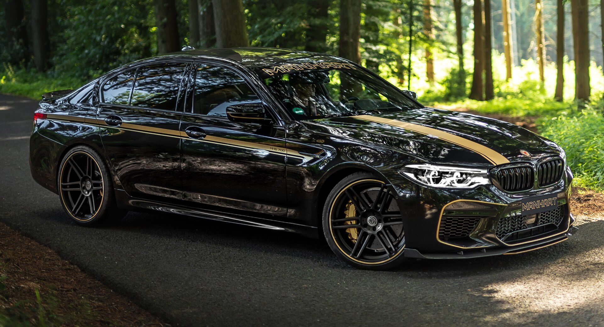 Manhart S Mh5 Is A Bmw M5 With 723ps And A Carbon Fiber Pack Carscoops Bmw M5 Bmw High Performance Cars Bmw m5 manhart racing mh5 700 2018