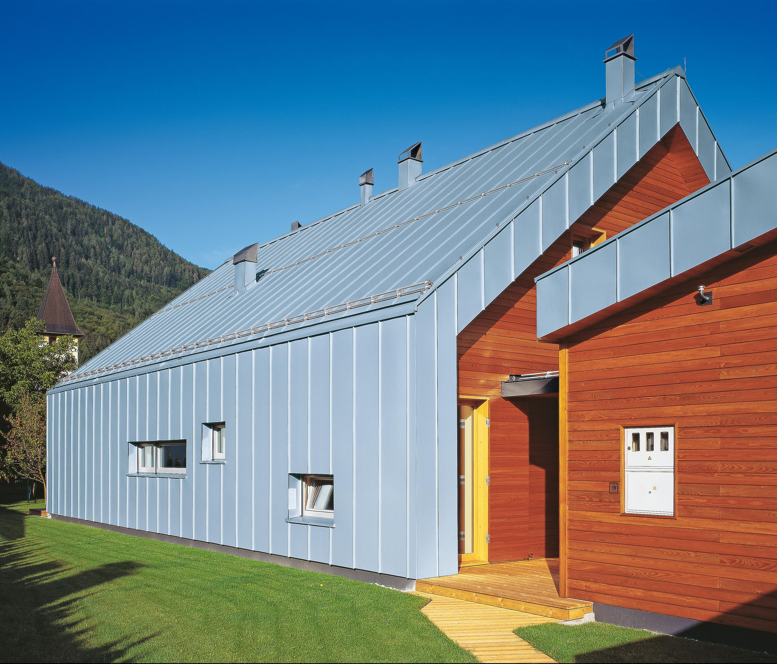 Seam Systems Angled Standing Seam Designer Facade Constructions From Rheinzink All Information High Resolution I Standing Seam Zinc Roof House Cladding