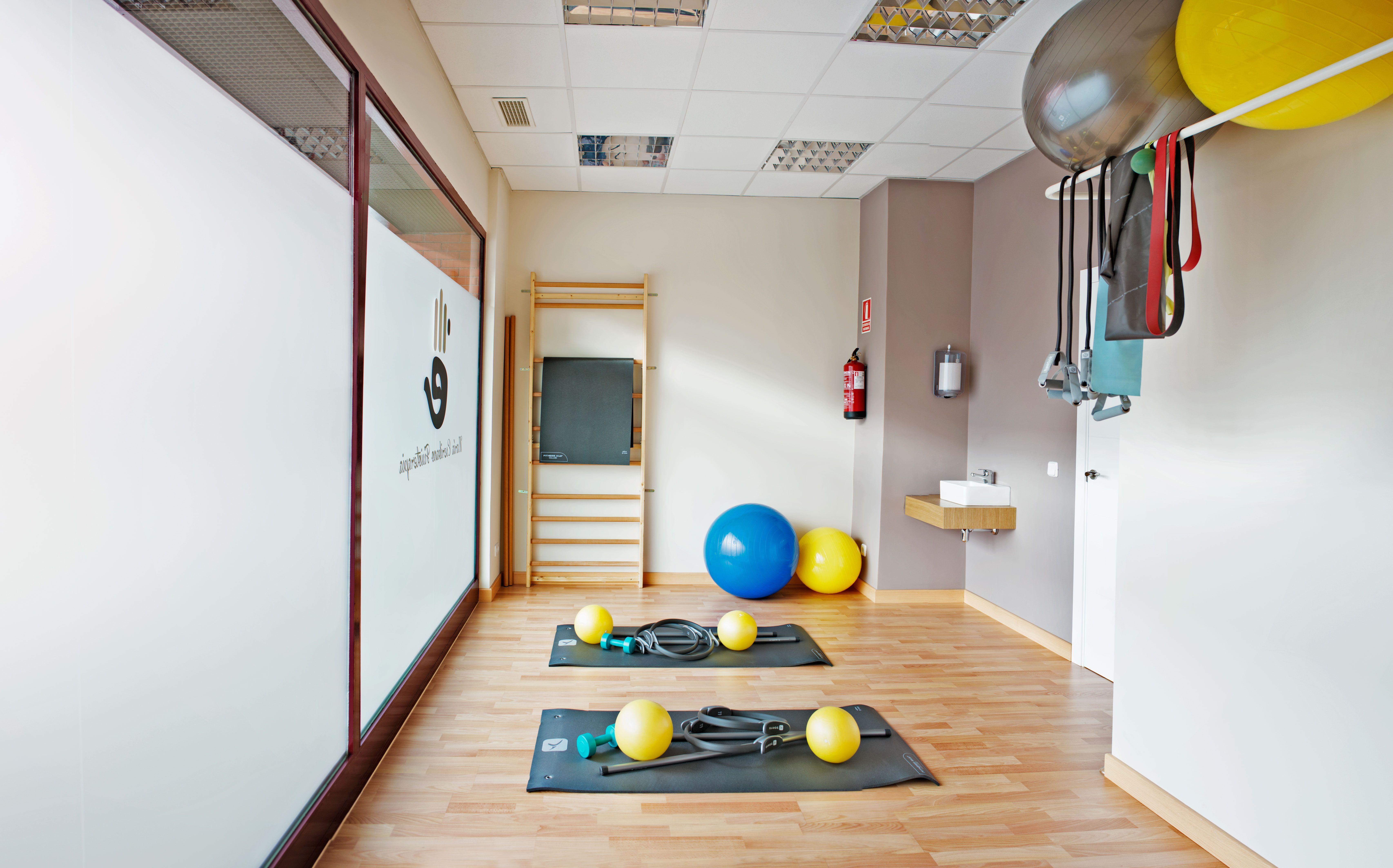 Gimnasio mar a escribano fisioterapia cabinet kin for Gimnasio kine
