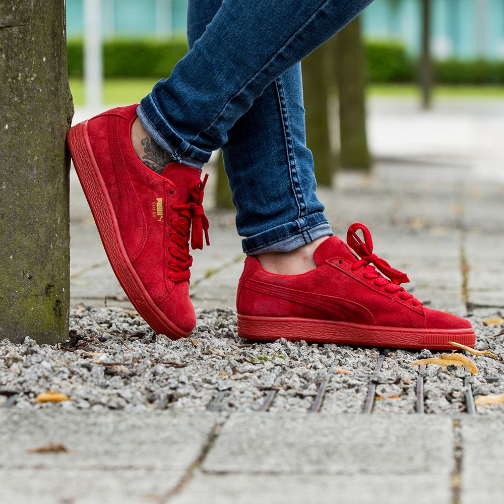 superior quality 28f3b 02a9b Stand out this summer in the Puma Womens Suede Classic ...