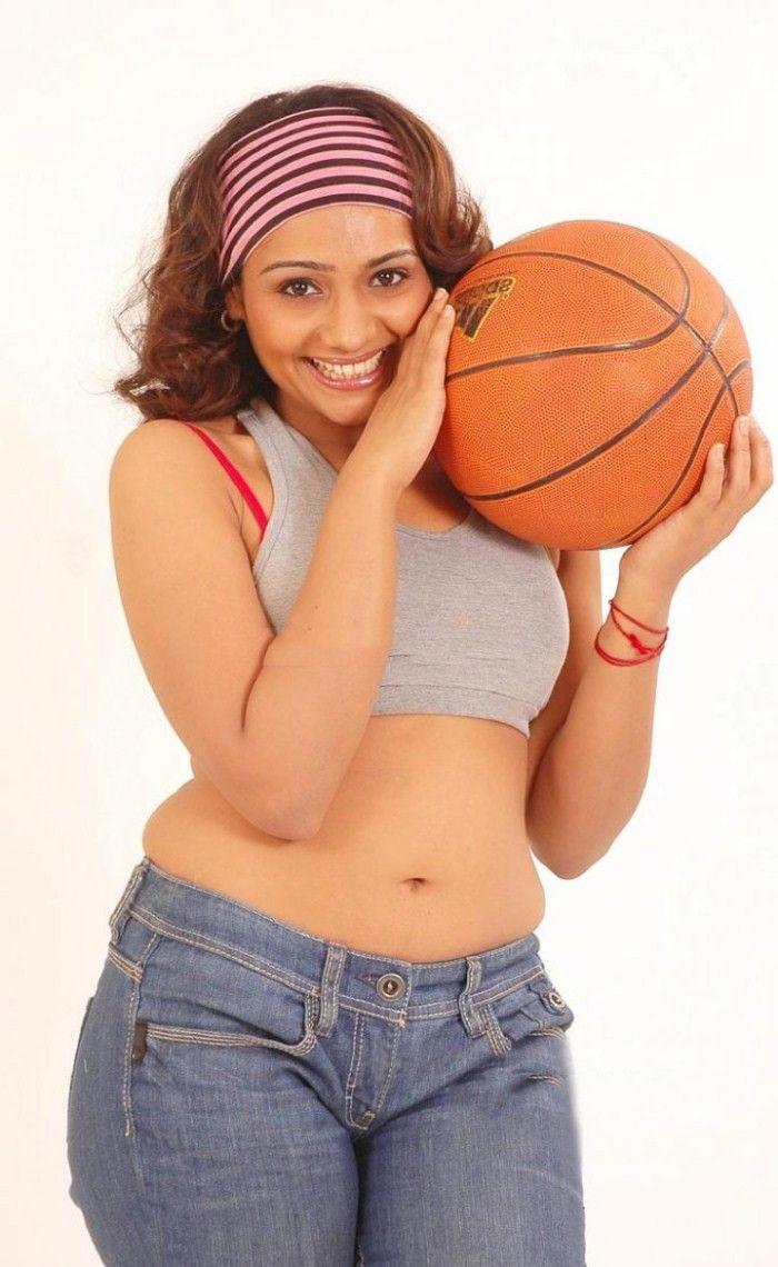 Beautiful Meera Vasudevan Hot Photoshoot Stills
