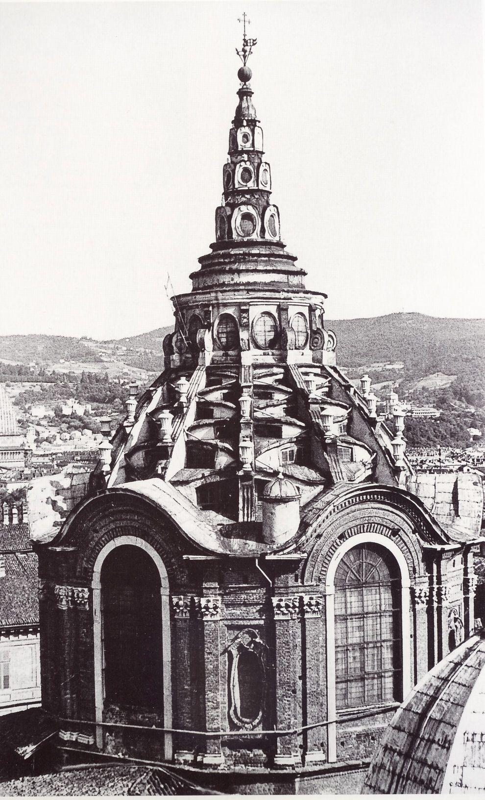 Italian baroque architecture piedmont cappella della ss for Baroque architecture in italy