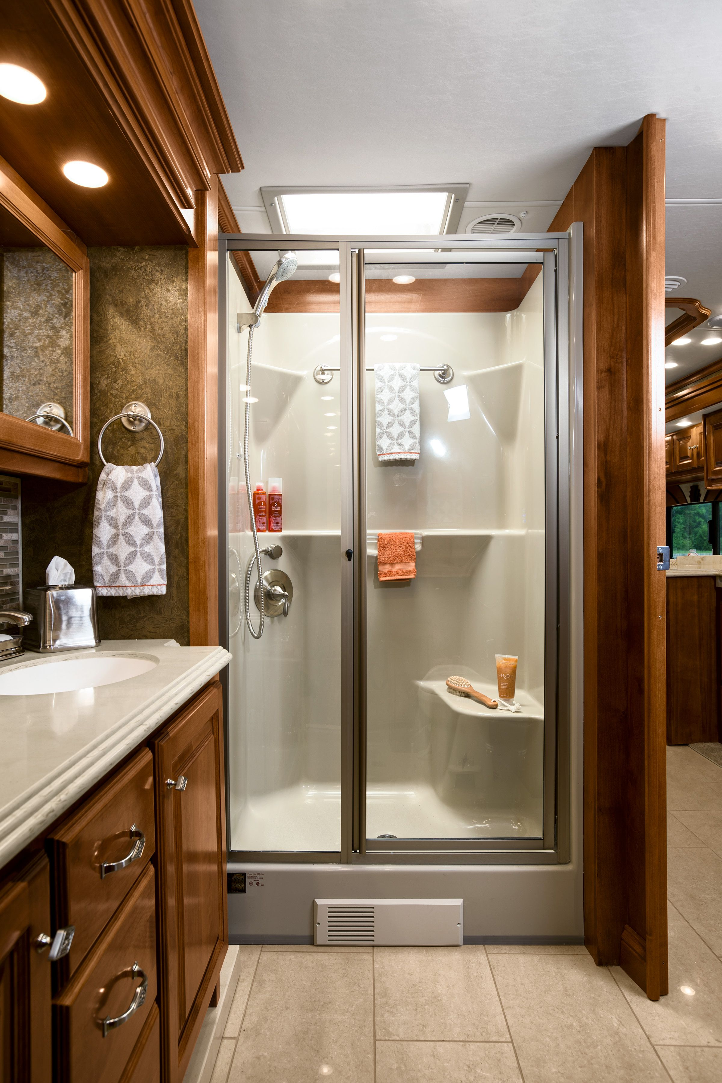 2015 Phaeton Bath Rv Homes Rv Dreams Container House