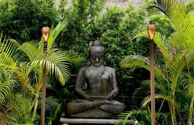 Wie Sie Eine Tote Ecke Im Garten Gestalten Konnen Mit Diesen 20 Inspirationen In 2020 Garten Gestalten Feng Shui Garten Gestalten Ideen
