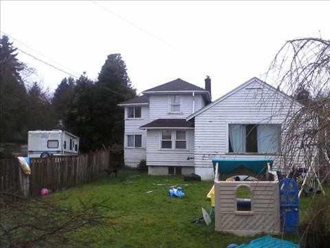 1341 N Cambrian Bremerton, WA 98312 Navy Yard City, West Bremerton $80,000 4 bed, 1 bath, 15,80 sq ft. built 1940, detached garage, large yard. Needs love but could be fabulous.