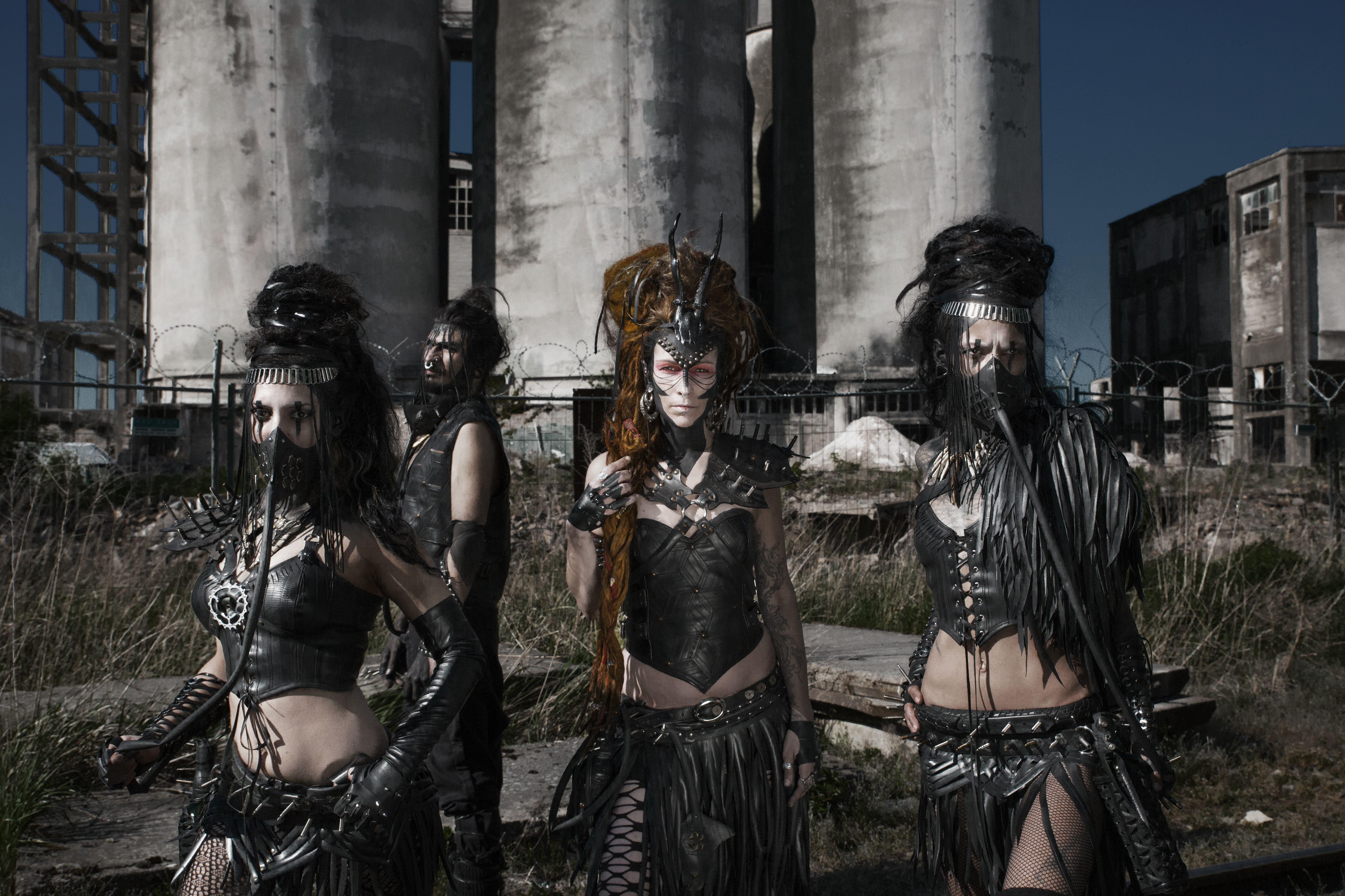 #SeahorseProductions #BikeTire #Rubber #RecycledLeather #Blackleather #Upcycling #Fashion #Antifashion #Cyberpunk #Gothic #Apocalyptic #PostApocalyptic #Wasteland #Berlin #AleinWonderlandPhotography