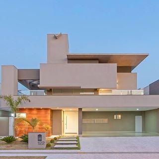 Fachadas de casas de sobrados veja 50 modelos lindos for Fachadas de entradas de casas modernas