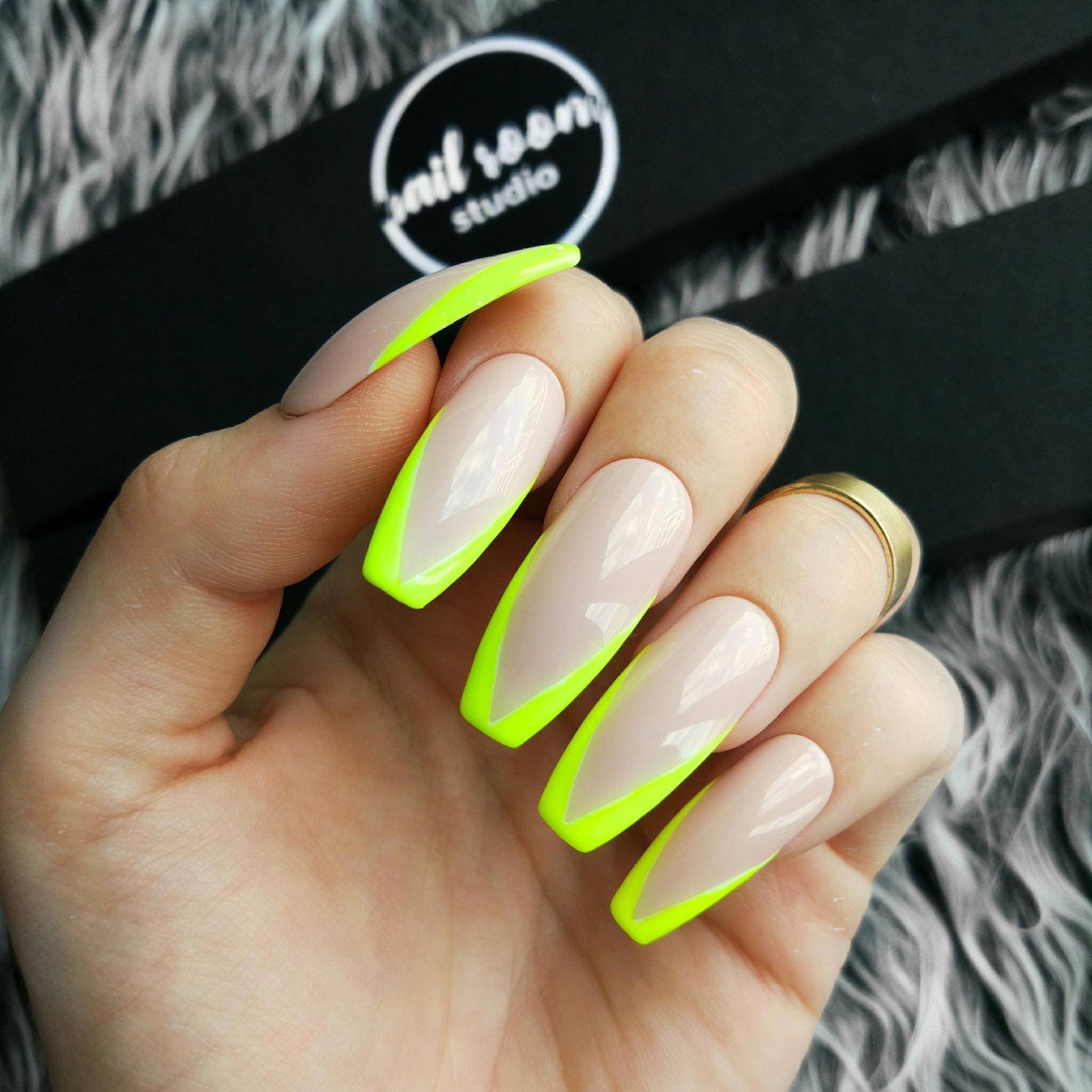 Matte white nails | Creative nail art in 2019 | Matte
