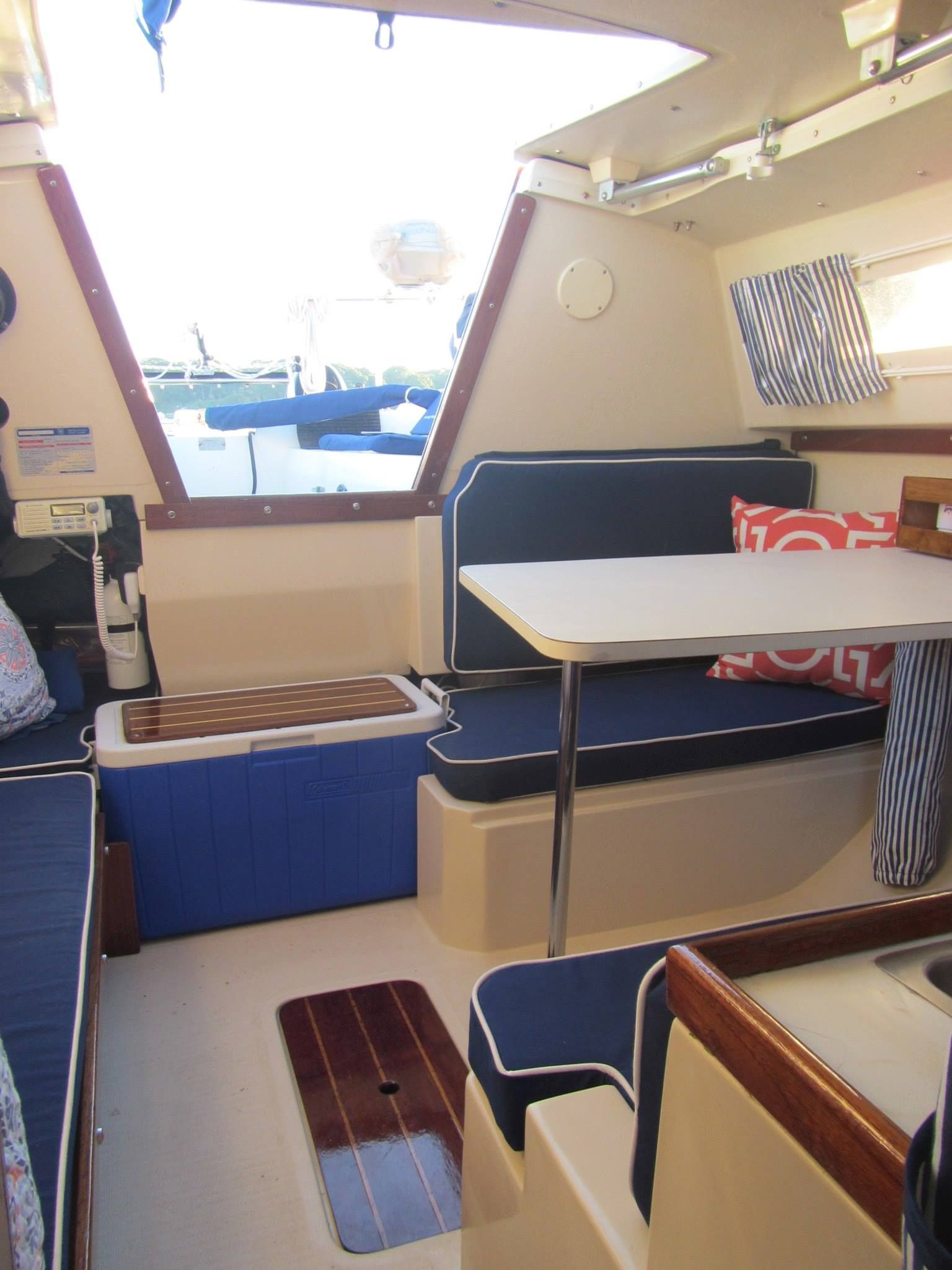 Love The Sharp Look Of Royal Blue Cushions With White Piping Liveaboard Boats Small