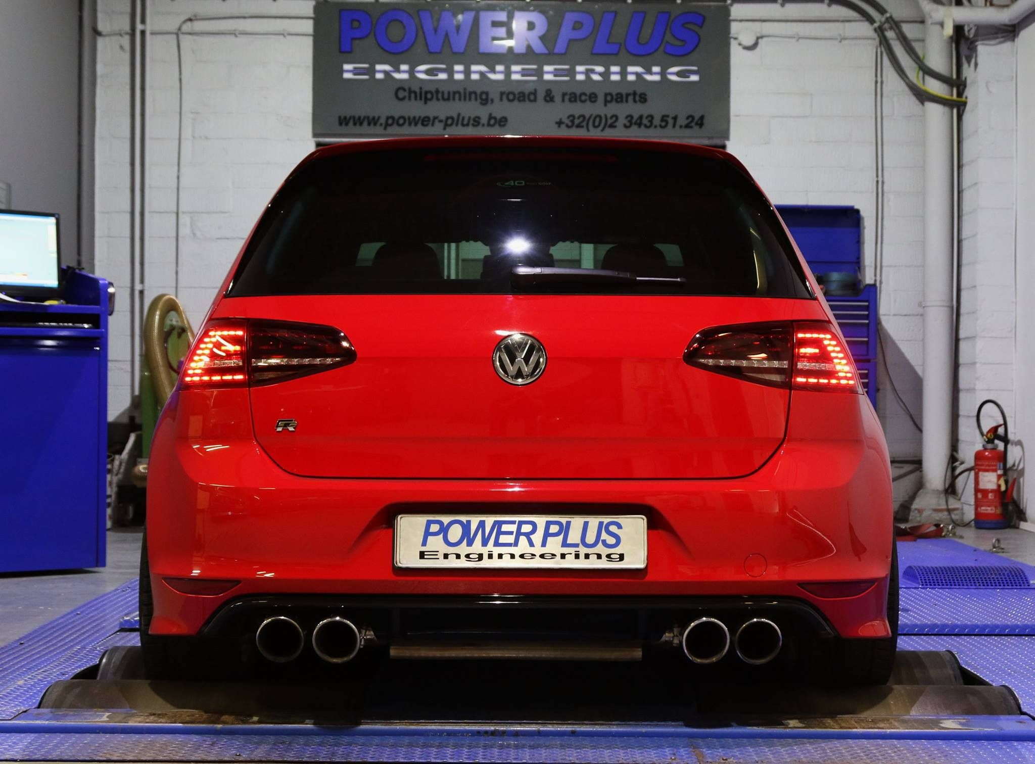 Vw golf 7 r 300 hp tuned with speed buster digital module and specific ppe mapping
