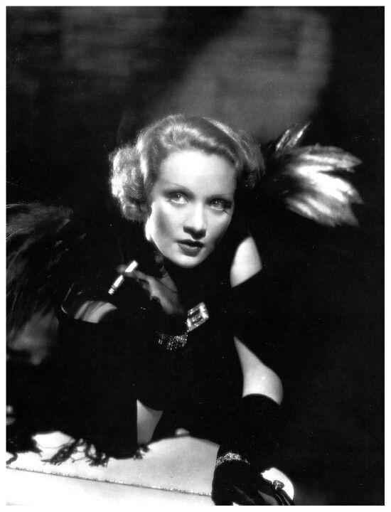 Marlene Dietrich In Schiaparelli Marlene Dietrich Movie Stars Elsa Schiaparelli
