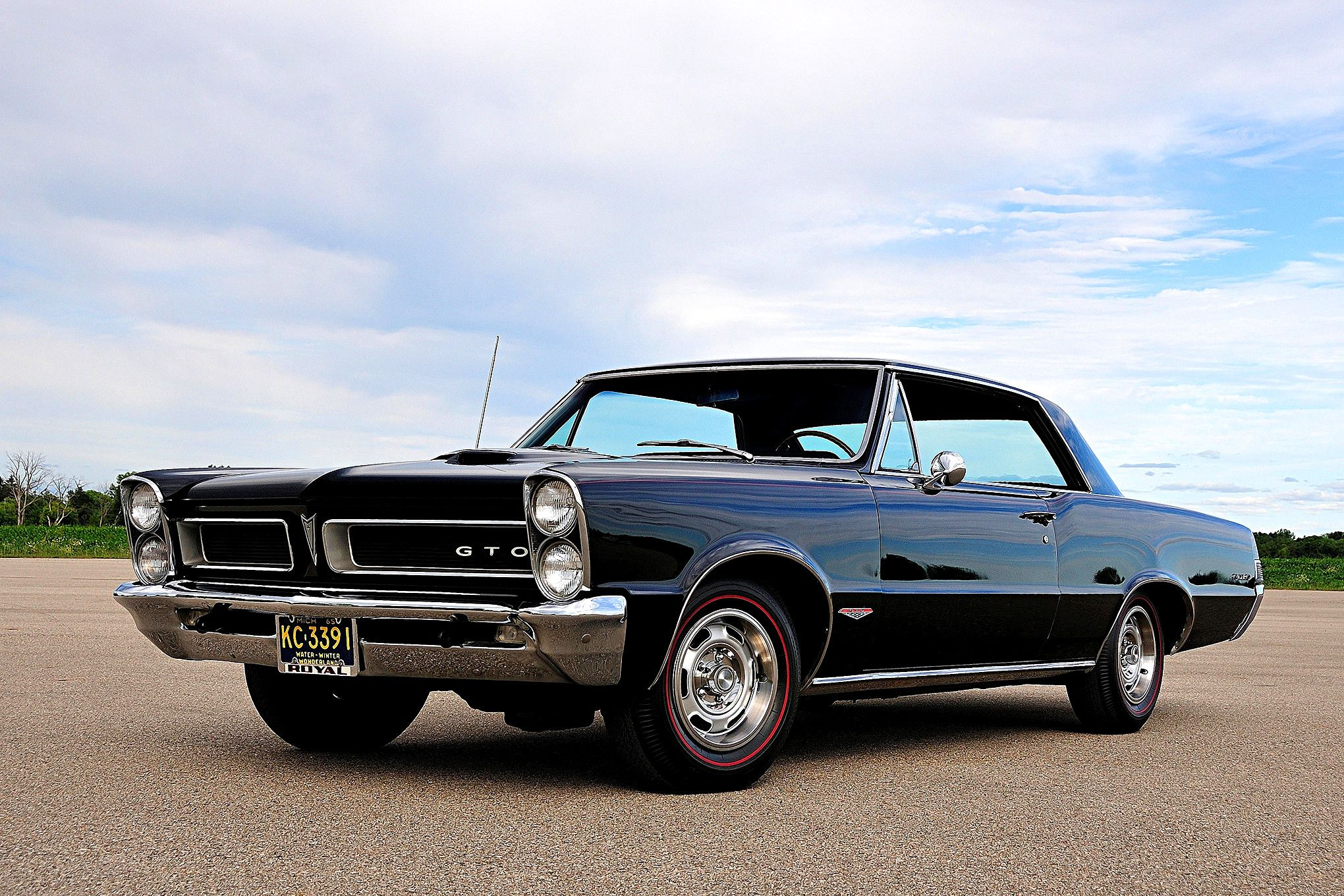 Lovely 1965 Pontiac GTO This 1965 Pontiac GTO Was Attending NHRA Drag Race  Competitions Back In The Days. Good Looking