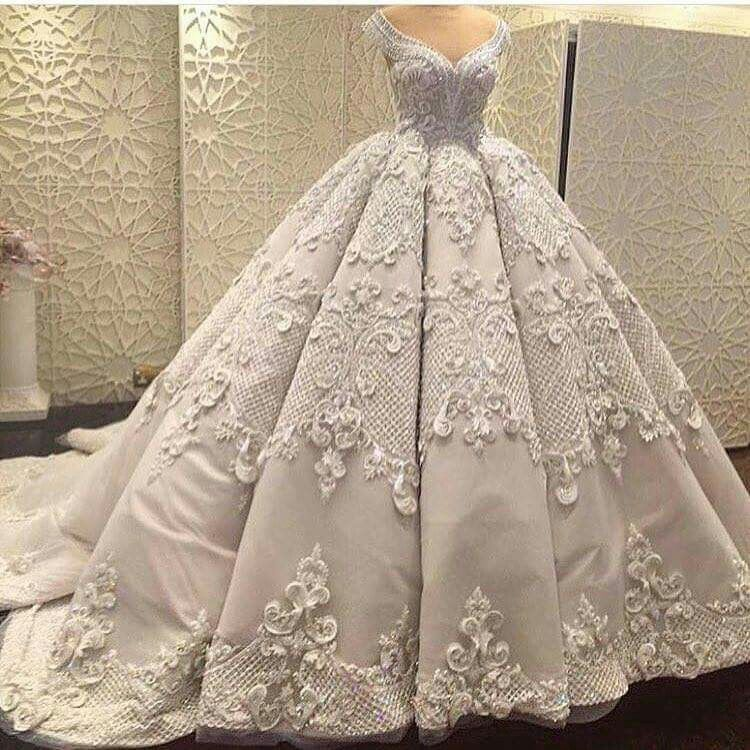 Amazing Wedding Gown With Beautiful Details Ball Gown Wedding Dress Ball Gowns Luxury Wedding Dress