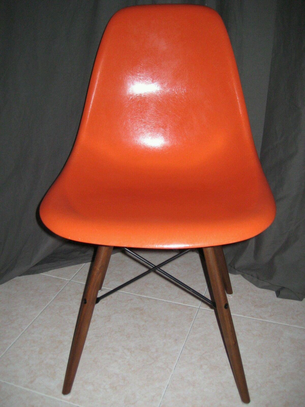 Chaise Charles RAY Eames Coleur Orange Fibre DE Verre Importe USA