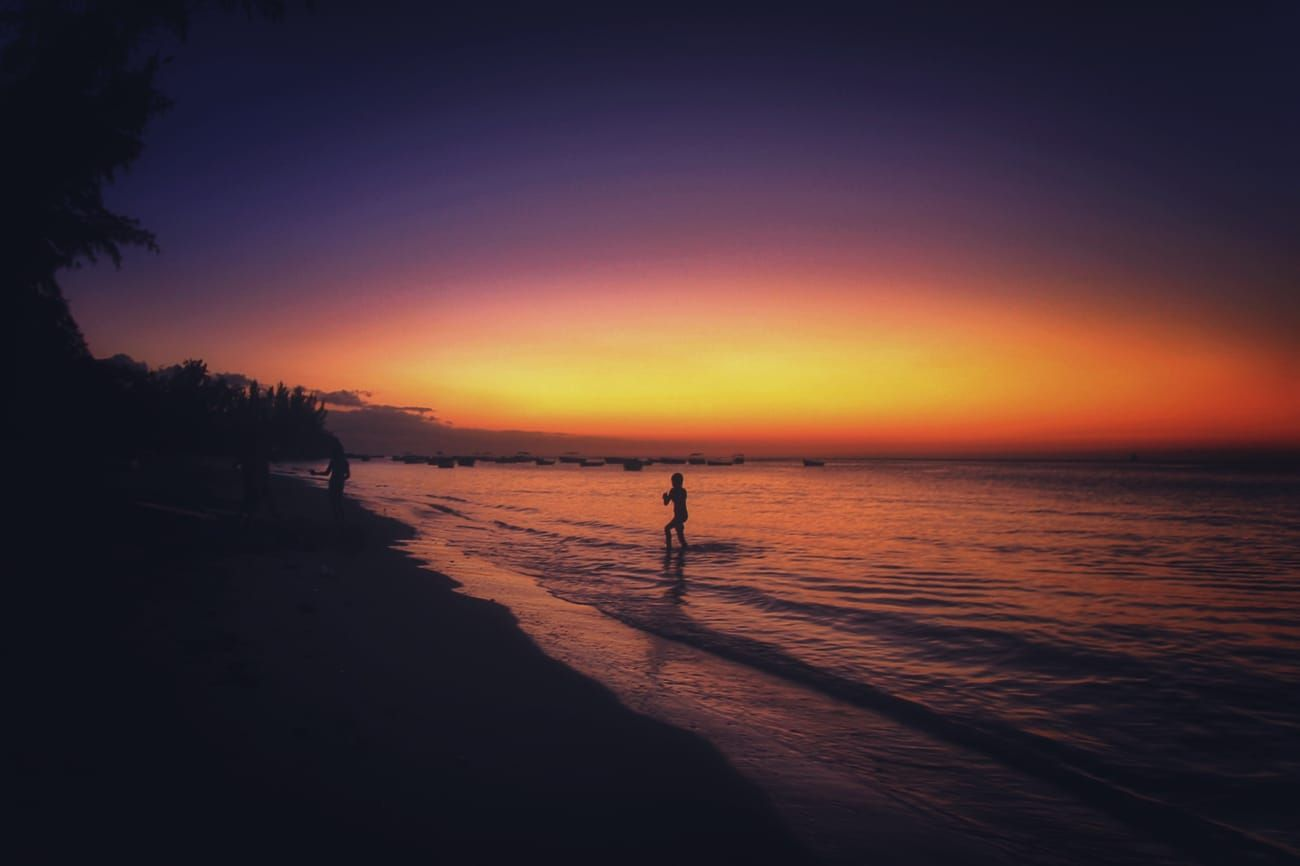 random holiday generator Sunrise beach, Beach photos
