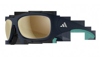 A 143 blue_shiny_mint Pensato per l'outdoor, gli occhiali da sole Terrex Pro sono costruiti per proteggere i vostri occhi anche nelle condizioni di alta quota più dure . Possono trasformarsi in maschera grazie alla fascia elastica in dotazione. Dotati di paranaso amovibile e di  una seconda coppia di lenti.