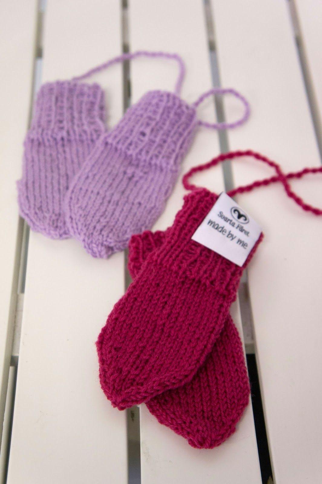 Här kommer en beskrivning till små söta stickade vantar. Ett 25g nystan  räcker till 2 par vantar! Garn  1 nystan Baby Merino (25 g). ce654f0a2559a