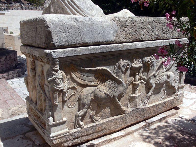 Delphes - sarcophage