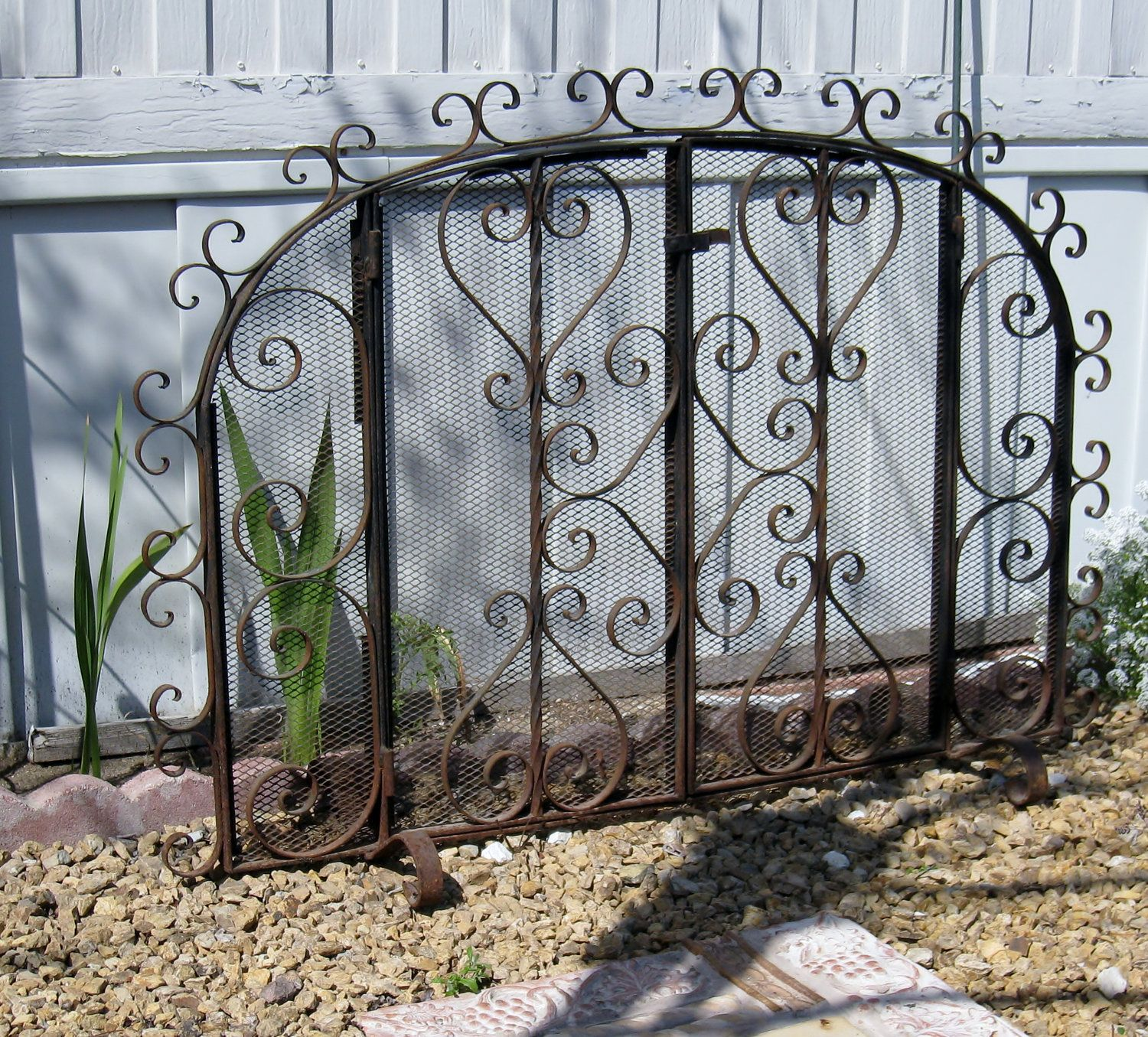 Excellent Vintage Hand Wrought Iron Fireplace Screen Fireplace Home Interior And Landscaping Ologienasavecom