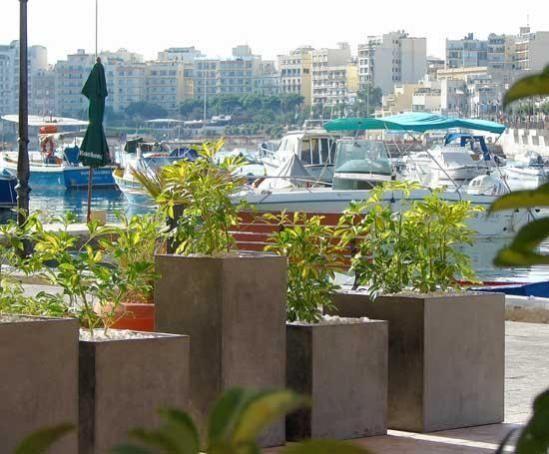 Patio Planters | Restaurants, Offices, Residences, Patios