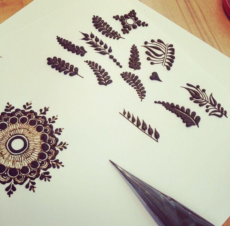 Pin By Meryem On Henna Mehndi Tats Henna Designs Hand Basic Mehndi Designs Beginner Henna Designs