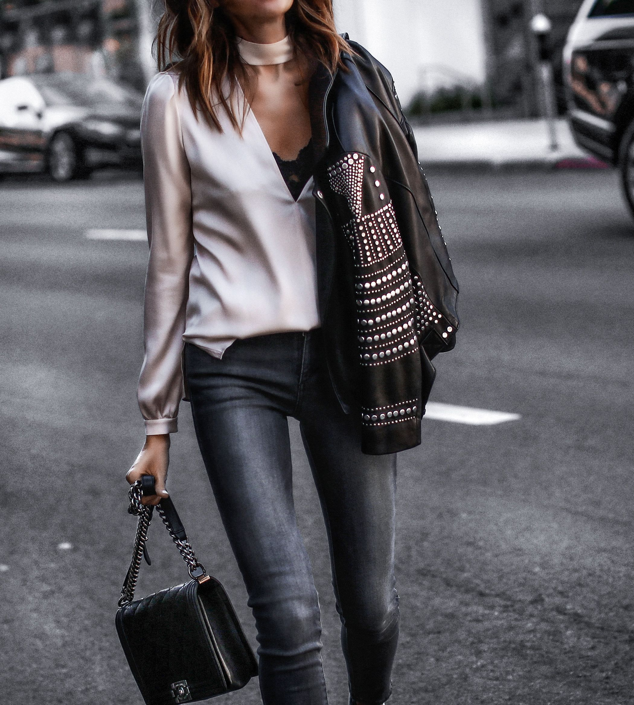 silky meets studded jeansstyle